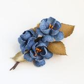 Джинсовая брошь синие цветы коричневые листья