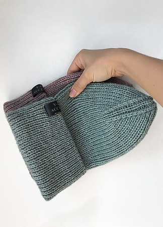 Шапка вязаная детская/женская Y-Z KNITS ручной работы на заказ