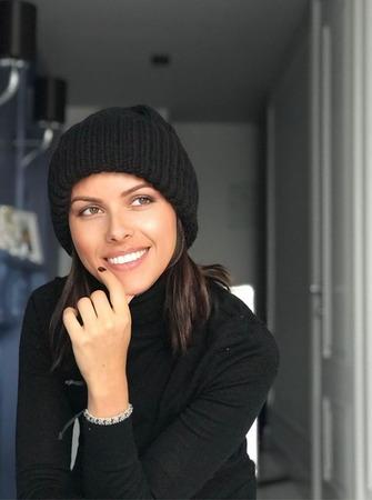 Шапка вязаная женская чёрная,кашемир /пух норки с подворотом Y-Z KNITS ручной работы на заказ
