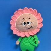 Вязаная игрушка Бонни в костюме цветочка