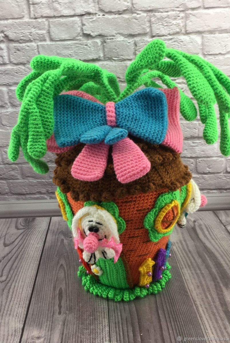 вязаная игрушка зайцы в морковном домике купить в интернет