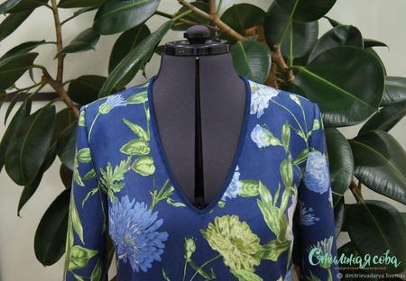 Платье замшевое с цветочным притинтом ручной работы на заказ