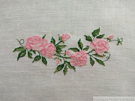 "Салфетка ""Нежные розы"" ручной работы на заказ"