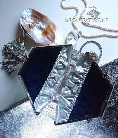 Клатч белый Silver Tassel ручной работы на заказ