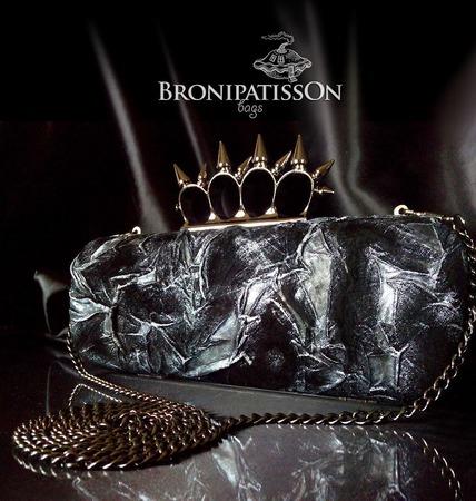 Клатч чёрно-серебряный из натуральной кожи с кастетом с шипами ручной работы на заказ