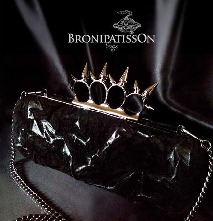 Клатч чёрный из натуральной кожи и замши с кастетом с шипами Structure ручной работы на заказ