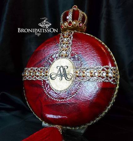 """Эксклюзивный именной клатч """"Red Queen"""" ручной работы на заказ"""