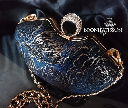 Клатч вечерний тёмно-синий с золотой фурнитурой Blue modern маленький ручной работы на заказ