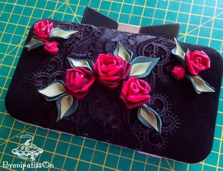 Клатч вечерний замшевый Розы на чёрном ручной работы на заказ