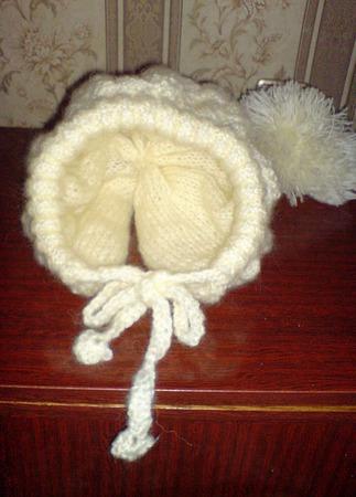 Шапка двойная вязаная для девочки с пушистым помпоном ручной работы на заказ