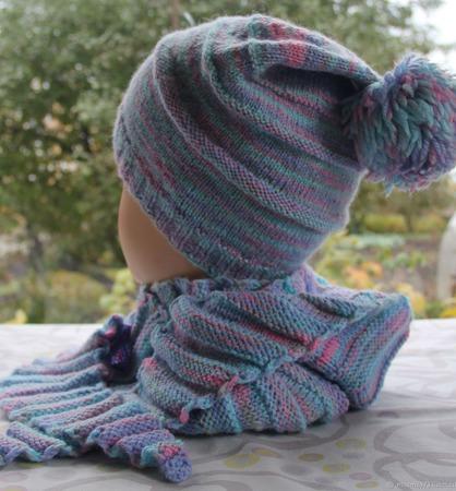 Яркий комплект  (шапка, шарфик-бактус, гетры) ручной работы на заказ