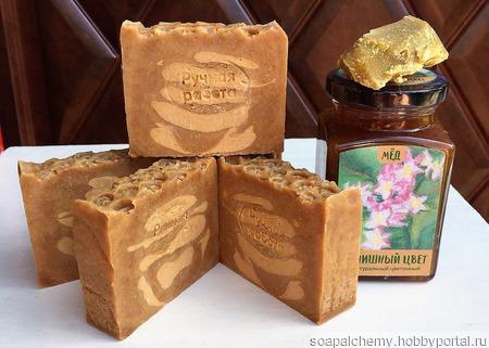 """Мыло """"Медовое"""" с мёдом и пчелиным воском ручной работы на заказ"""