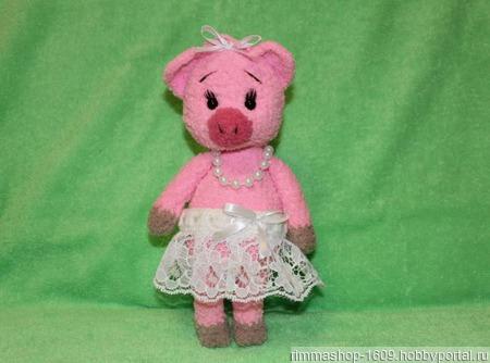 Вязаная свинка балеринка ручной работы на заказ
