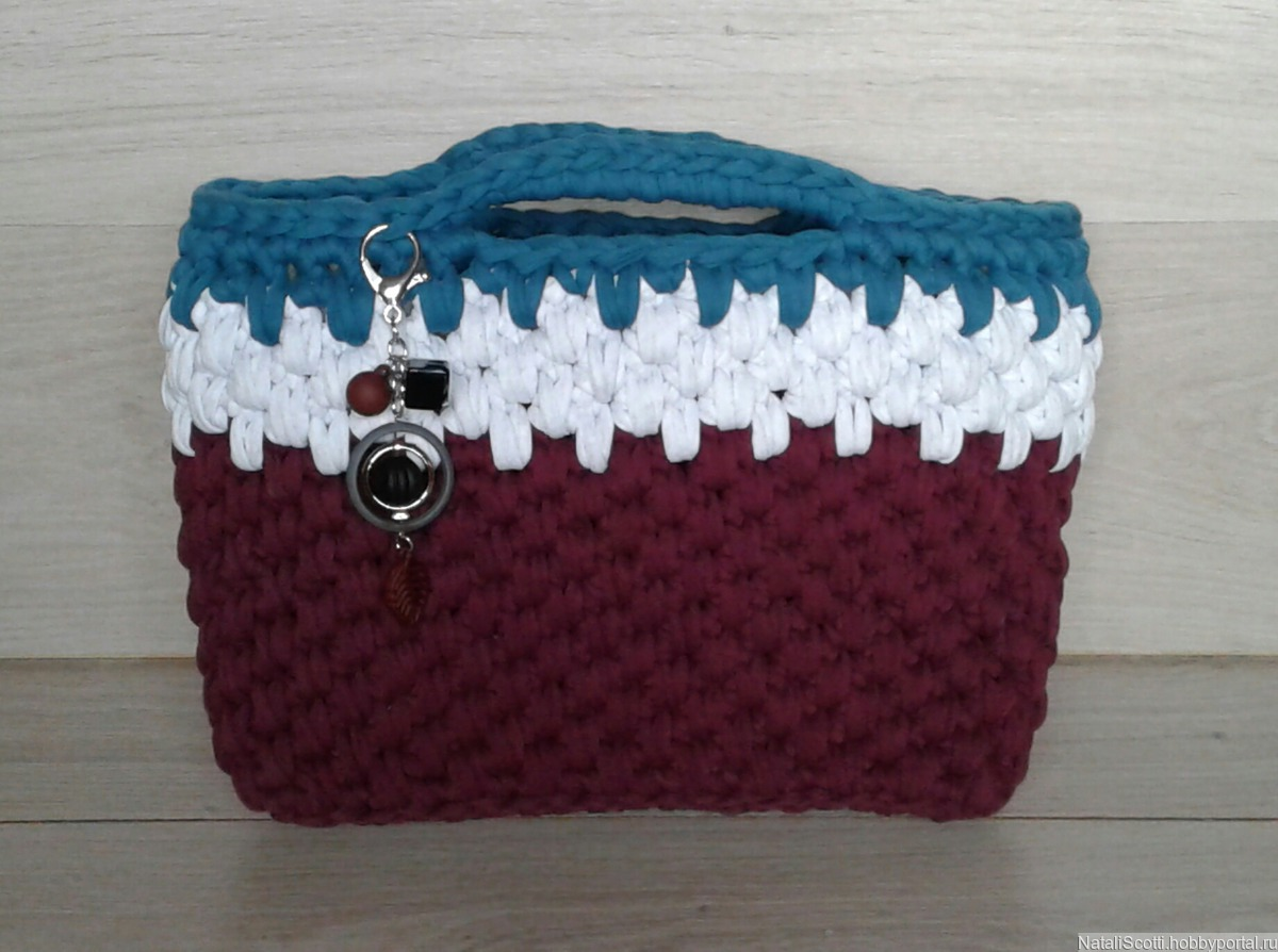 b8d6b3745a56 Женская вязаная сумка из трикотажной пряжи – купить в интернет ...