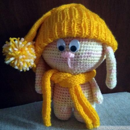 Игрушка для малыша Зайка в шапочке ручной работы на заказ