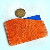 Оранжевый кожаный картхолдер с тиснением ящерицы