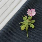 """Мини-брошь цветочек розовый """"Герань лесная"""""""