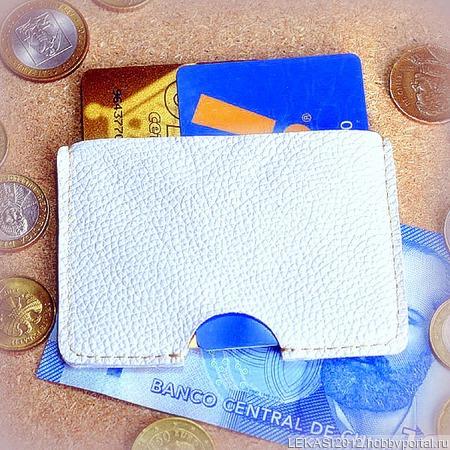Белый кожаный картхолдер ручной работы на заказ