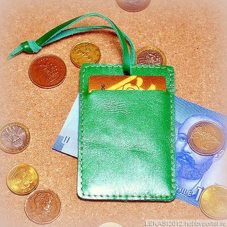 Зеленый кожаный картхолдер с держателем ручной работы на заказ