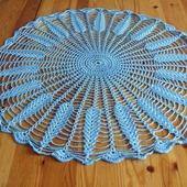 Мини-скатерть ажурная голубая