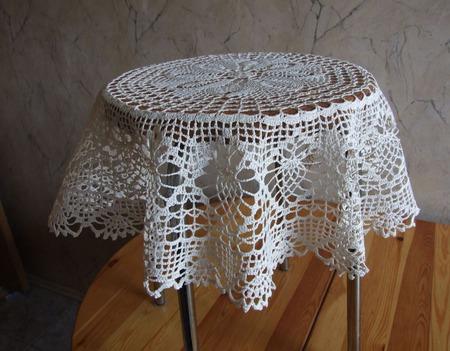 Мини-скатерть кремовая с салфетками ручной работы на заказ