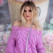 Вязаный летний свитер с открытыми плечами