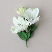 Брошь белоснежная лилия