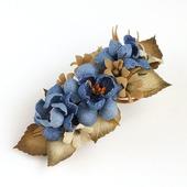 Заколка коричнево-синяя с цветами из джинсы и фоамирана