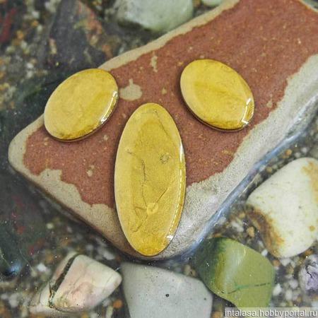 Набор из трех овальных кабошонов, цвет - золото ручной работы на заказ