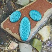 Набор из трех овальных кабошонов, цвет - карибский голубой