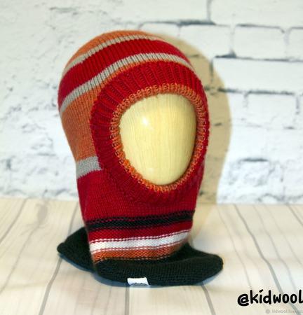 Шапка-шлем вязаная для мальчика ручной работы на заказ
