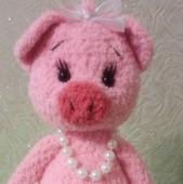 Вязаная свинка балеринка