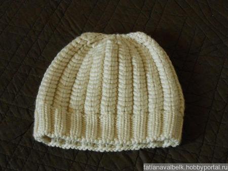 Вязаная шапочка на девочку теплая ручной работы на заказ