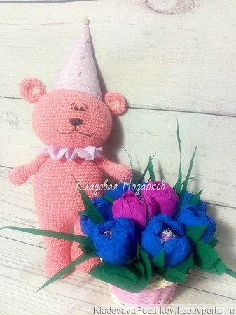 Розовый вязаный мишка ручной работы на заказ