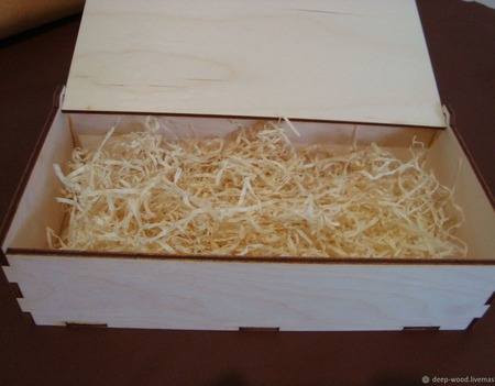 Деревянная коробка для подарков ручной работы на заказ