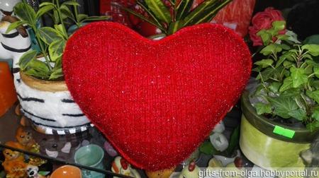Подушка в форме сердца ручной работы на заказ
