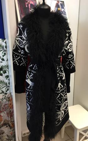 Вязаное пальто в Москве ручной работы на заказ