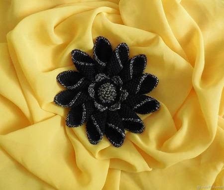 """Брошь-цветок """"Королевская лилия"""" ручной работы на заказ"""