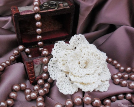 "Брошь-цветок ""Чайная роза"" ручной работы на заказ"