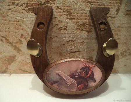 Ключница в форме подковы с пожеланием удачи ручной работы на заказ