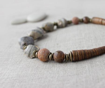 Колье стильное из древних окаменелых ракушек Индира ручной работы на заказ