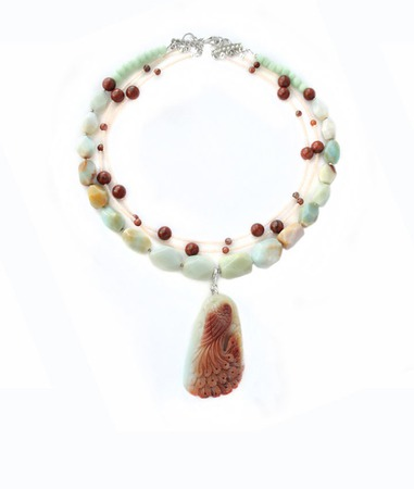 Колье мятное с резным кулоном павлином из амазонита Динара ручной работы на заказ