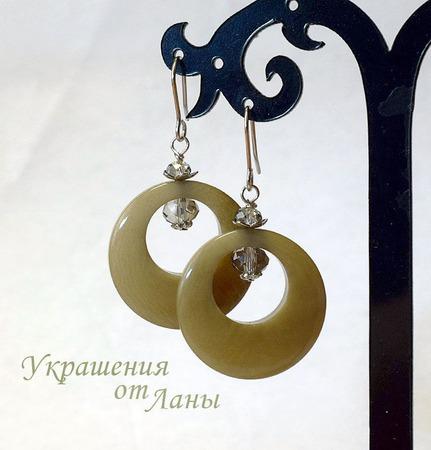 Серьги из ореха тагуа бежевые ручной работы на заказ