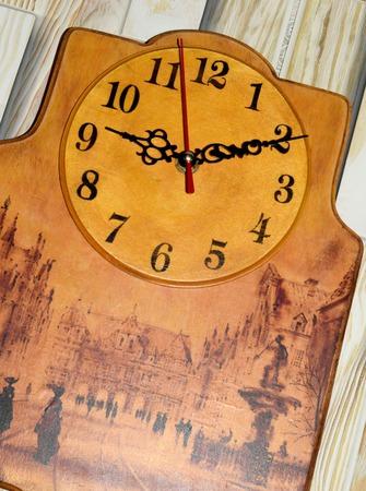 """Часы """"Прогулка по Городу"""" ручной работы на заказ"""
