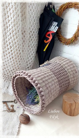 """Корзина плетеная """"Как тихо падал дождь..."""" ручной работы на заказ"""