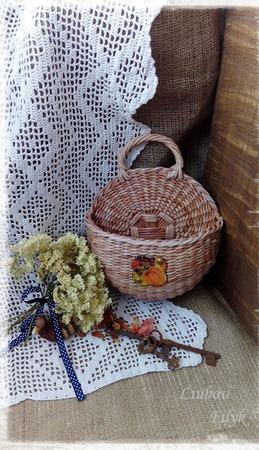 Плетеная настенная корзинка ручной работы на заказ