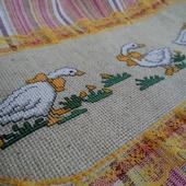 Полотенце кухонное с вышивкой Гуси,полотенце+прихватки,комплект на кухню