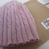 Женская вязаная шапка из 100%шерсти DROPS спицами