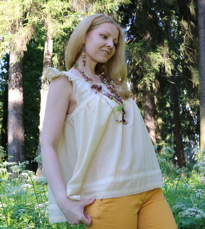 Блузка из батиста бежевая. Блуза в стиле бохо, хиппи. Тонкая блузка ручной работы на заказ