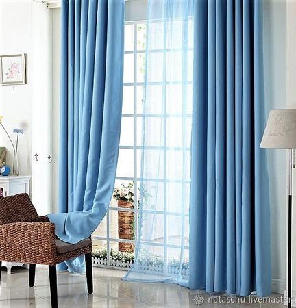 Плотные шторы голубого цвета из интерьерного софта ручной работы на заказ